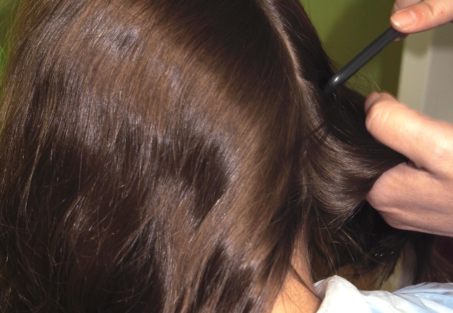 Tratamiento 100% natural. Sin químicos ni abrasivos para el pelo